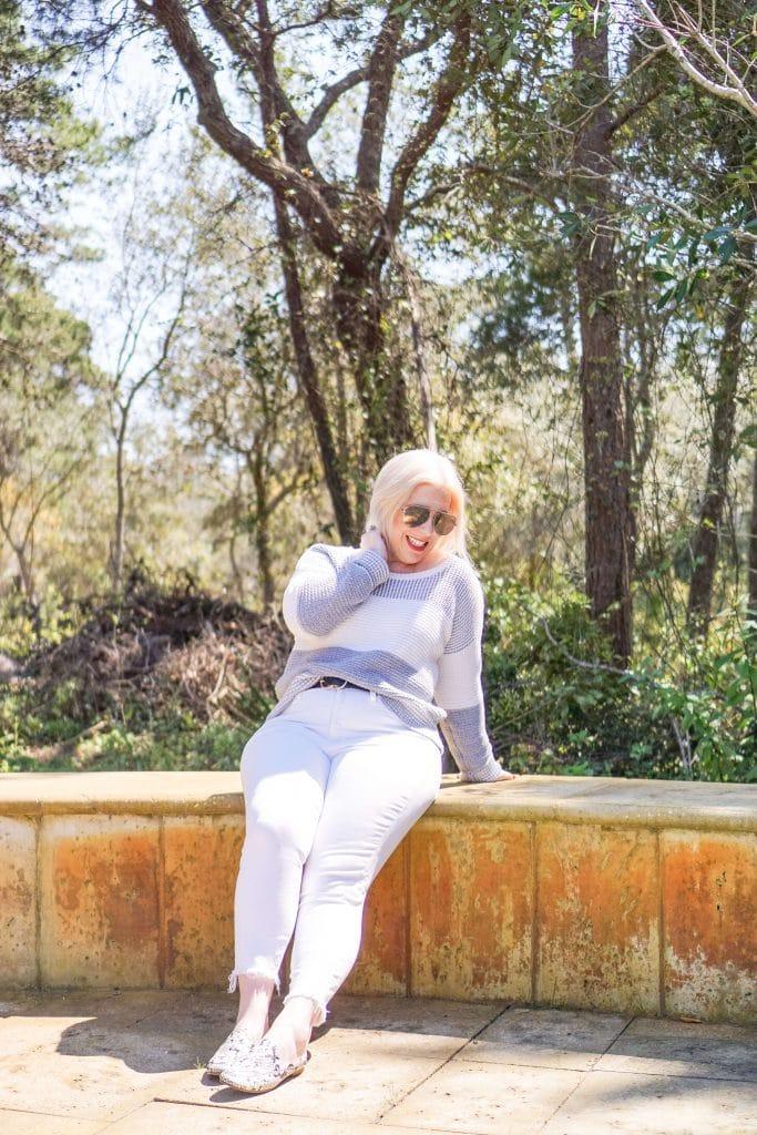 Spring Outfit I'm Wearing On Repeat #whatsavvysaid #petitefashion #petitestyle #springoutfit #whitedenim #springfashion