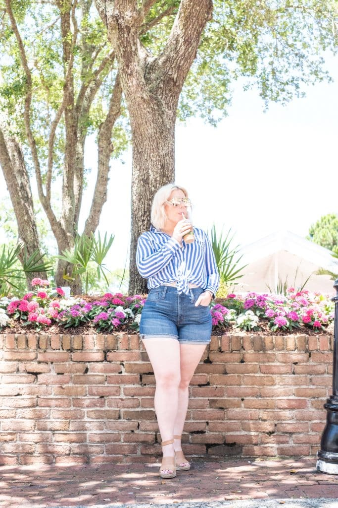 How To Help Your Friend Who Lost A Parent To Suicide #whatsavvysaid #mentalhealthawareness #idontmind #lostaparent #baytownwharf #summerstyle #mentalhealthmatter #bluestripes