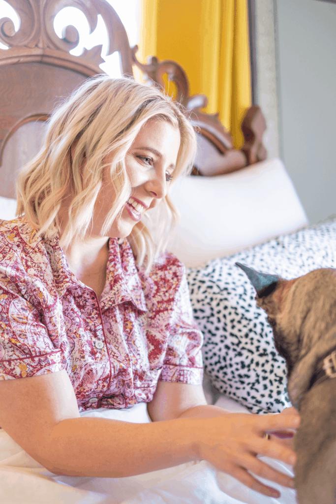 8 Tips To Help You Sleep Better #whatsavvysaid #sleepbetter #getbettersleep #sleeptips #adoptdontshop