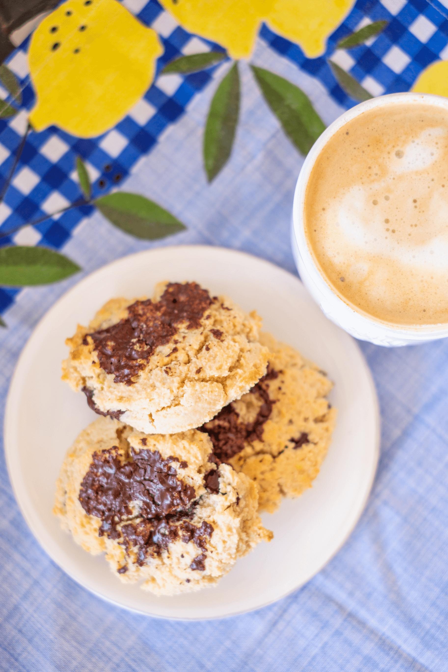 Paleo Chocolate Chip Cookies #whatsavvysaid #glutenfree #dairyfree #refinedsugarfree